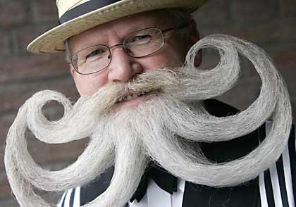 Mustache_champion